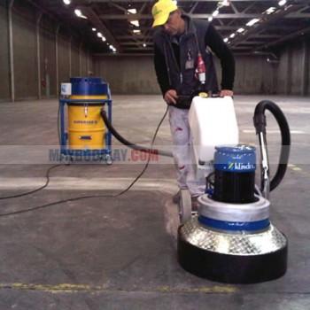 Hóa chất đánh tróc bóc lớp phủ sàn trước khi phủ bóng sàn đá gạch Action