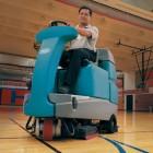 xe quét và lau sàn nhà